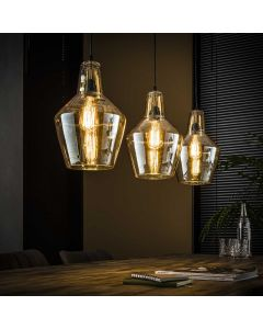 Hanglamp kegel drielichts amberkleurig glas lamp aan